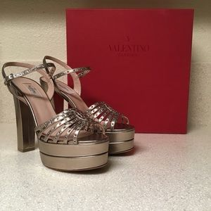 Valentino Platform Heel Sandal Gold Leather Sz 40